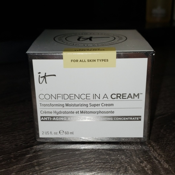 it cosmetics Other - It Cosmetics Confidence in a Cream Moisturizer